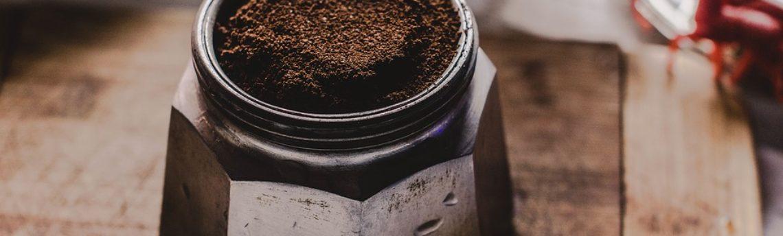 Come usare i fondi di caffè? Provateli anche come detersivo. Vi spieghiamo come fare